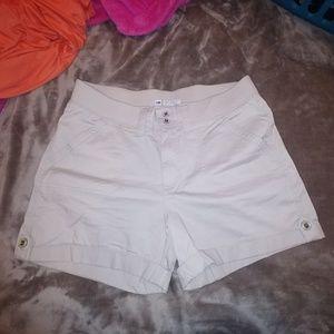 LEE ladies khaki shorts